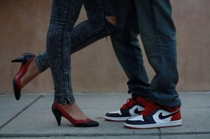 couple-girls-love-nike-photography-shoes-Favim.com-59227